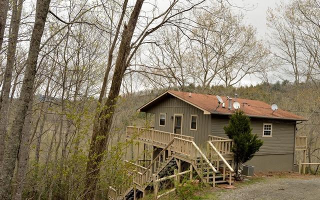 4113 White Oak Drive, Hiawassee, GA 30546 (MLS #277057) :: RE/MAX Town & Country