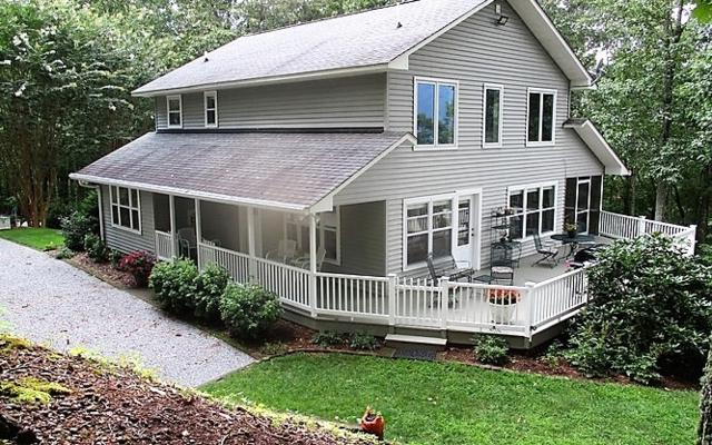 689 Shadow Woods Trail, Hayesville, NC 28904 (MLS #281904) :: RE/MAX Town & Country