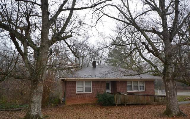 120 Roberts Lake Rd, Ball Ground, GA 30107 (MLS #294496) :: RE/MAX Town & Country