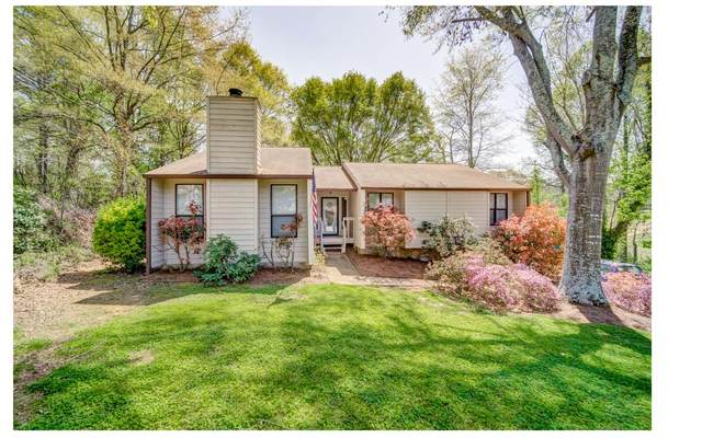 9084 Western Pines Dr, Douglasville, GA 30134 (MLS #305846) :: RE/MAX Town & Country