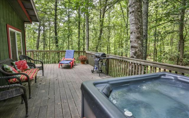 885 Whitecliff, Ellijay, GA 30540 (MLS #270119) :: RE/MAX Town & Country