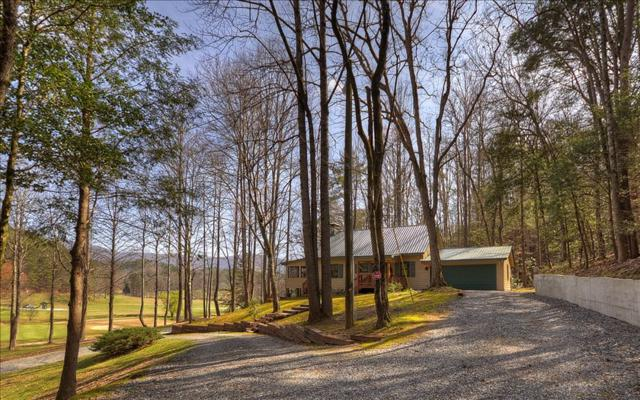 533 Cherokee Drive, Ellijay, GA 30540 (MLS #275905) :: RE/MAX Town & Country