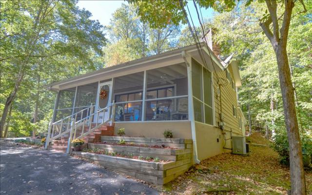 961 Chatuge Village, Hayesville, NC 28904 (MLS #272476) :: RE/MAX Town & Country