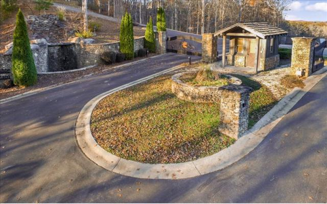 LT 23 Staurolite Mountain, Blue Ridge, GA 30513 (MLS #248044) :: RE/MAX Town & Country