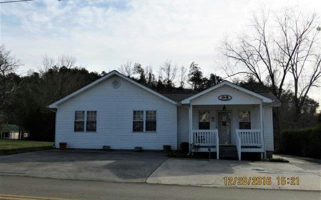 34 Oak Street, East Ellijay, GA 30536 (MLS #272630) :: RE/MAX Town & Country