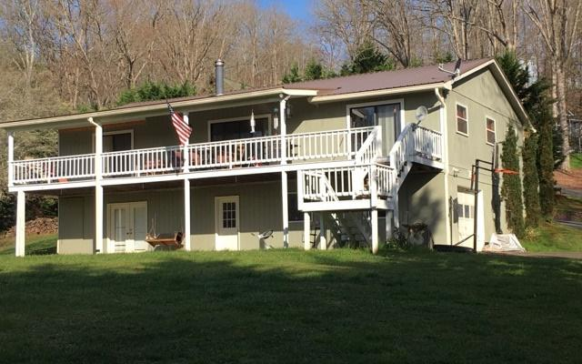 75 Dogwood Drive, Hayesville, NC 28904 (MLS #289193) :: RE/MAX Town & Country