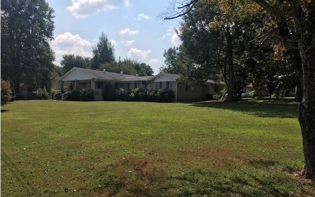 744 Dean Street, Young Harris, GA 30582 (MLS #291769) :: RE/MAX Town & Country