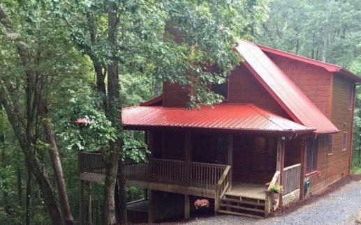 213 Moonshine Hollow, Blue Ridge, GA 30513 (MLS #270512) :: RE/MAX Town & Country