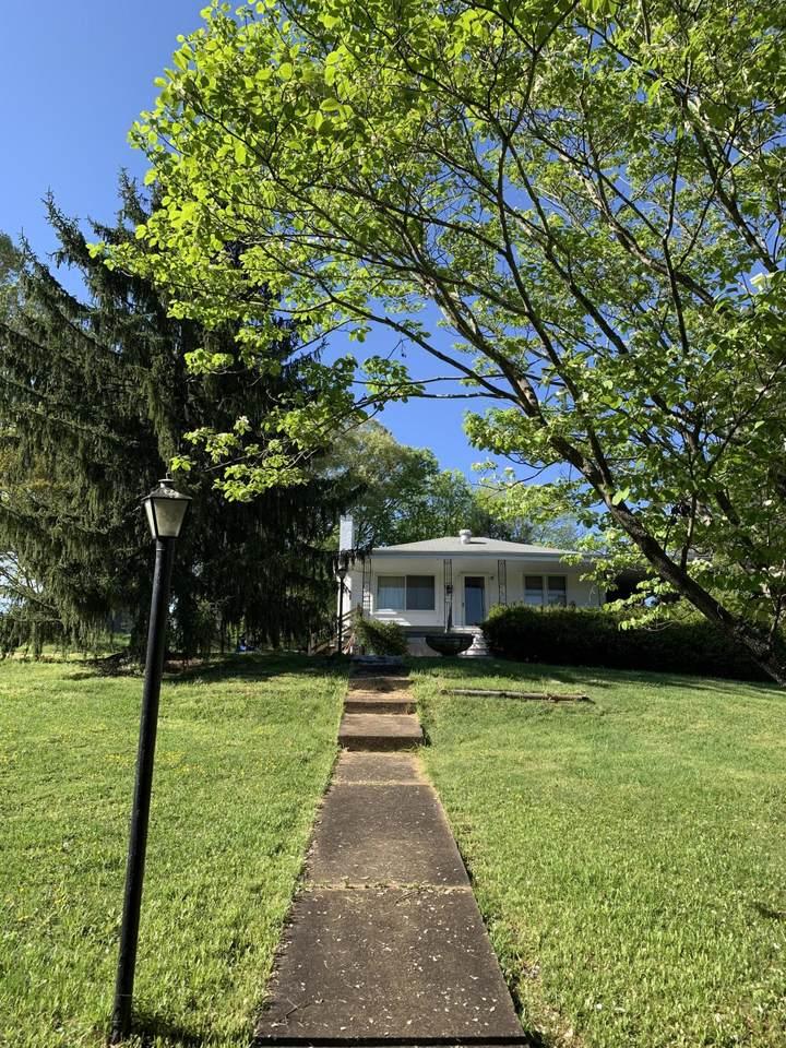 610 Hollis Street - Photo 1