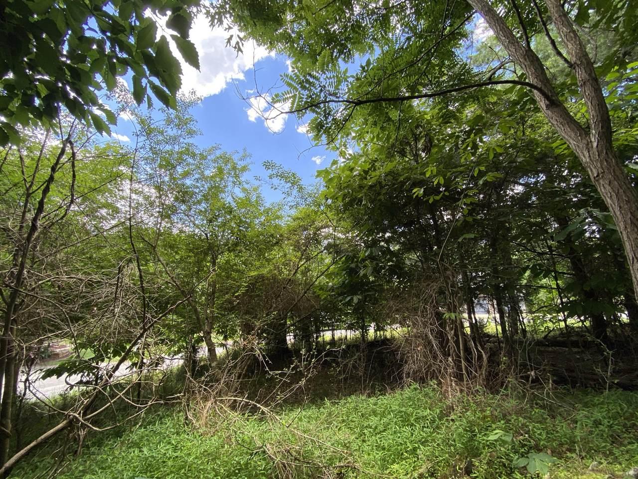 1609 Sequoyah Drive - Photo 1