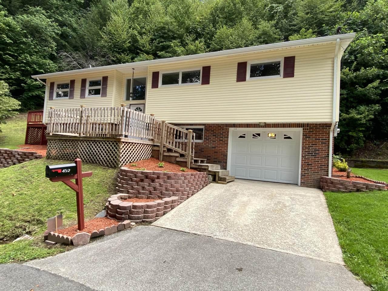 452 Woodland Terrace - Photo 1