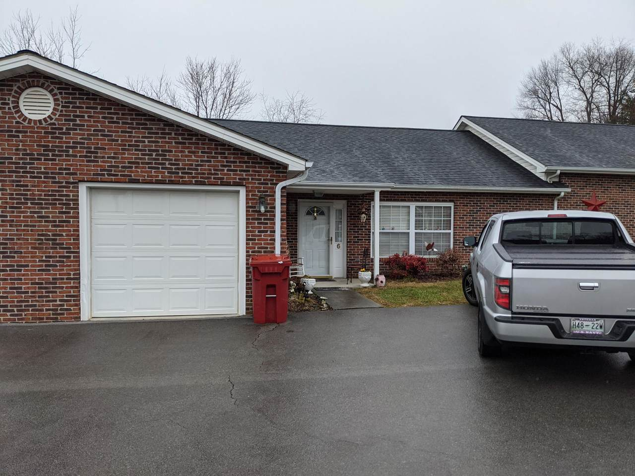 6 Boone Hill Court - Photo 1