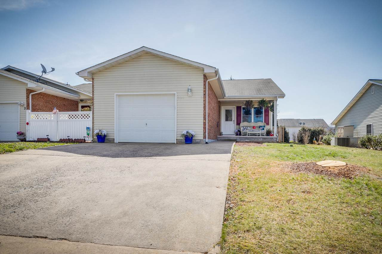 224 Hunter Hills Circle - Photo 1