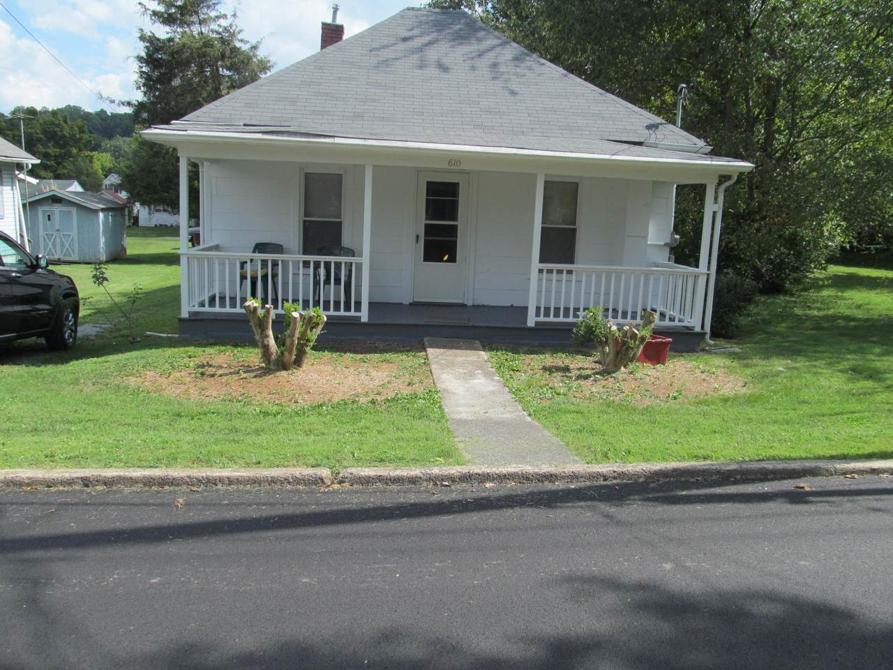 610 Pardee Street - Photo 1