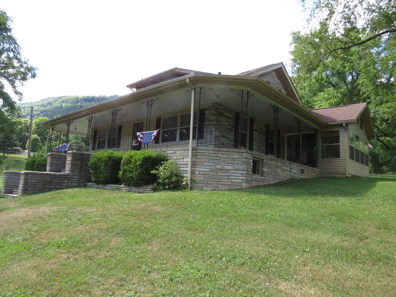 5641 Back Valley Road - Photo 1