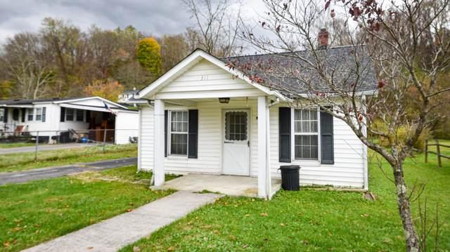 925 Maplewood Lane, Tazewell, VA 24651 (MLS #9906054) :: Bridge Pointe Real Estate