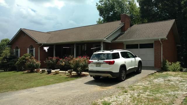 1751 Oakdale Drive, Dandridge, TN 37725 (MLS #9911213) :: Highlands Realty, Inc.