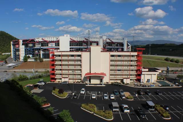 120 Raceday Center Drive #403, Bristol, TN 37620 (MLS #9927123) :: The Lusk Team