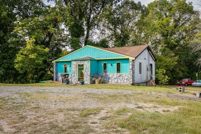 1136 Wilcox Drive, Kingsport, TN 37660 (MLS #9928887) :: Red Door Agency, LLC