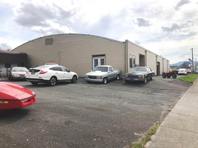 1932 Elk Avenue, Elizabethton, TN 37643 (MLS #9906211) :: Tim Stout Group Tri-Cities