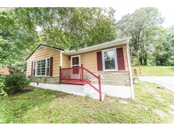2621 Veda Dr, Bristol, VA 24201 (MLS #393767) :: Highlands Realty, Inc.