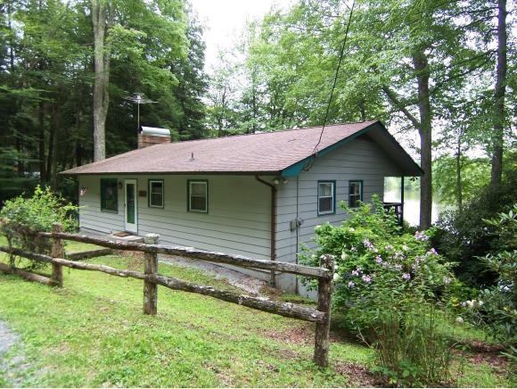 218 Ripshin Lake Rd, Roan Mountain, TN 37687 (MLS #395643) :: Highlands Realty, Inc.
