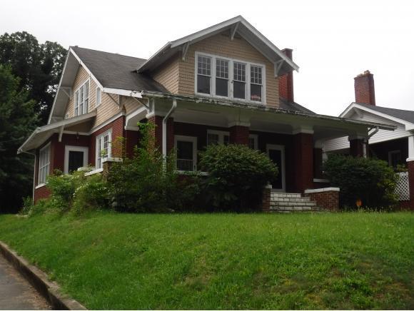 800 Fairmount Ave., Bristol, VA 24201 (MLS #396013) :: Highlands Realty, Inc.