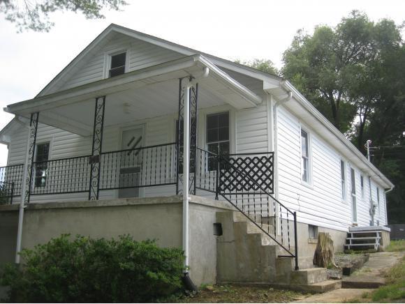 246 Sinking Springs Road, Bristol, TN 37620 (MLS #396061) :: Highlands Realty, Inc.