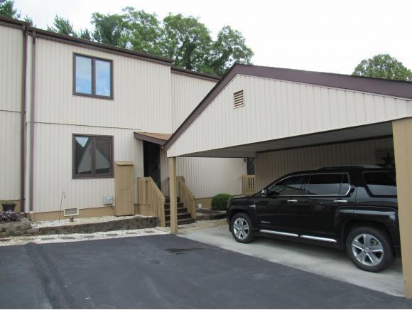 135 Pebble Drive #135, Bristol, VA 24201 (MLS #396066) :: Highlands Realty, Inc.