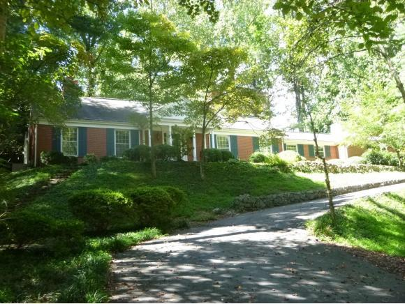 4407 Glen Eden Road, Kingsport, TN 37664 (MLS #396994) :: Highlands Realty, Inc.