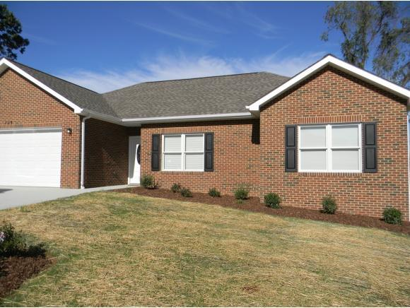 129 Keeneland Circle #32, Greeneville, TN 37743 (MLS #398556) :: Conservus Real Estate Group