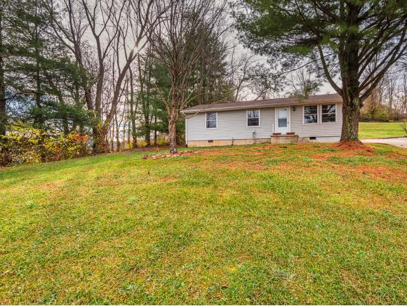 1236 White Top Rd, Bluff City, TN 37618 (MLS #400387) :: Highlands Realty, Inc.