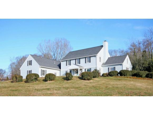 631 Valley Drive W, Bristol, VA 24201 (MLS #401302) :: Conservus Real Estate Group