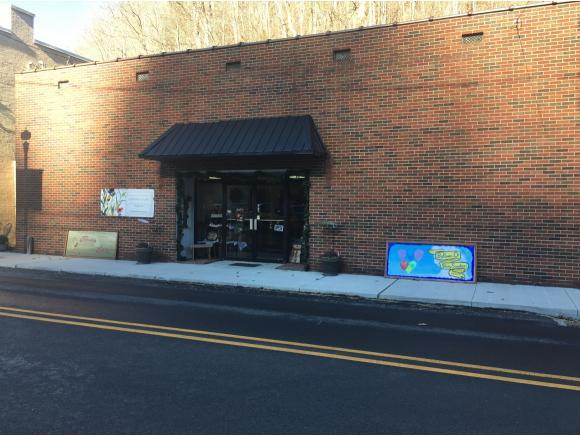 200 Main St. #1, Haysi, VA 24226 (MLS #401320) :: Griffin Home Group
