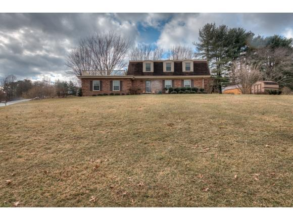 400 Springlake Rd, Bristol, VA 24201 (MLS #402390) :: Highlands Realty, Inc.