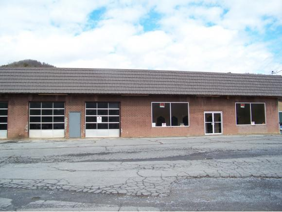 8379 Hwy 19-E #0, Roan Mountain, TN 37687 (MLS #402652) :: Conservus Real Estate Group
