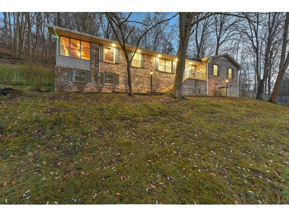 1422 Meadowbrook Dr, Johnson City, TN 37604 (MLS #402968) :: Highlands Realty, Inc.