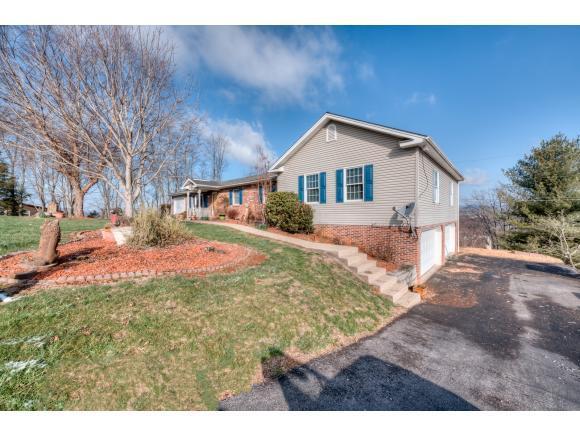 2652 Pats Lane, St Paul, VA 24283 (MLS #404060) :: Griffin Home Group