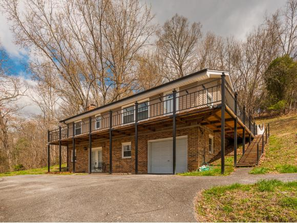 412 Lakeshore Road, Bluff City, TN 37618 (MLS #404172) :: Highlands Realty, Inc.