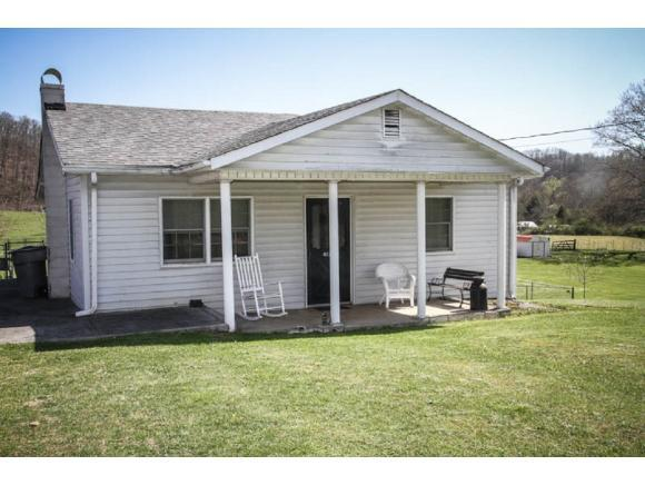 4124 Old Jonesboro Road, Bristol, TN 37620 (MLS #405405) :: Highlands Realty, Inc.