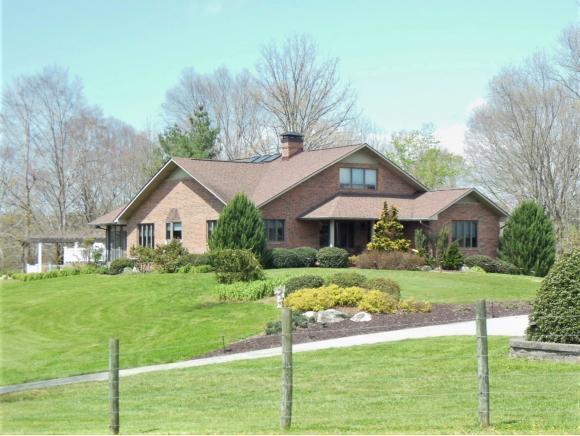 136 Triple H Lane, Jonesborough, TN 37659 (MLS #405422) :: Griffin Home Group