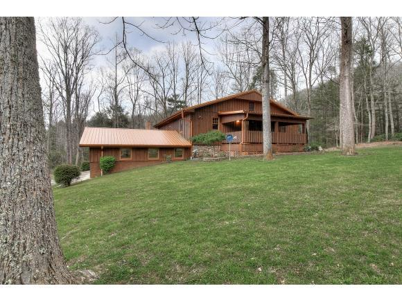 795 Hiram Clark Road, Elizabethton, TN 37643 (MLS #405451) :: Griffin Home Group