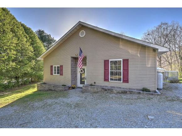 500 Springdale Dr, Bristol, TN 37620 (MLS #405496) :: Highlands Realty, Inc.