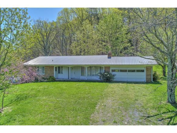1770 Carters Valley Road, Surgoinsville, TN 37873 (MLS #405586) :: Highlands Realty, Inc.