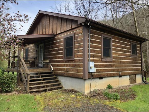 7585 Roan Creek Rd, Mountain City, TN 37683 (MLS #405621) :: Highlands Realty, Inc.