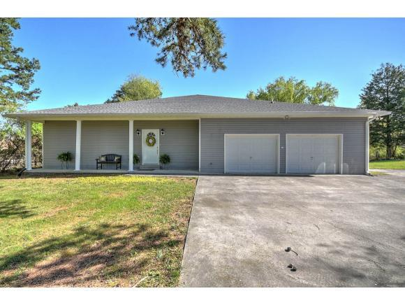 104 George Miller Street, Johnson City, TN 37615 (MLS #405992) :: Highlands Realty, Inc.