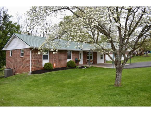 324 Highland Drive, Bluff City, TN 37618 (MLS #406088) :: Highlands Realty, Inc.