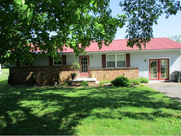 424 Gap Creek Road, Elizabethton, TN 37643 (MLS #406641) :: Highlands Realty, Inc.