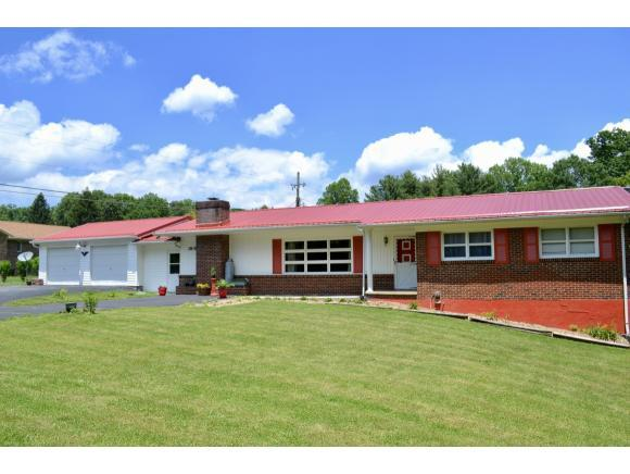 2818 Dungannon Road, Coeburn, VA 24230 (MLS #407965) :: Griffin Home Group
