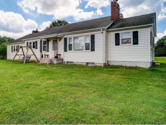 108 Maplehurst Ln, Bluff City, TN 37618 (MLS #408034) :: Griffin Home Group